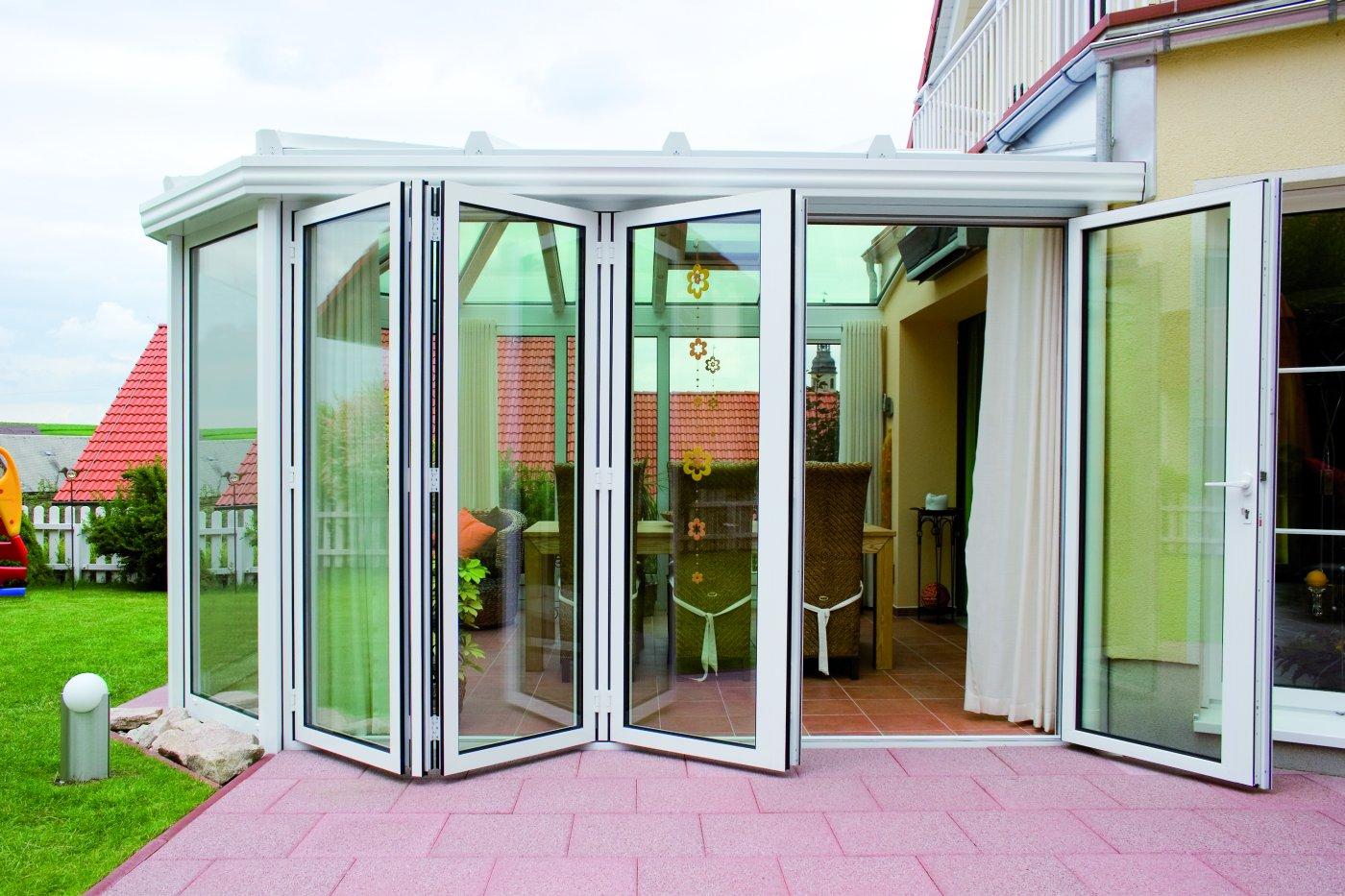 Остекление балкона системой slidors размер 3000 на 800 на 15.